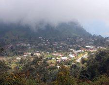 La comunidad Las Majadas quedó incomunicados por más de una semana en la época de lluvia en el 2017. (Foto Prensa Libre: Carlos Ventura)
