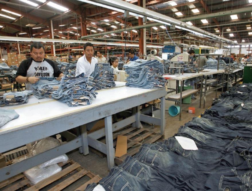 En un contexto de crecimiento económico lento, la mejoría en la tasa de desocupación ha sido modesta, señaló el informe Panorama Laboral 2018 de la OIT. (Foto Prensa Libre: Hemeroteca)