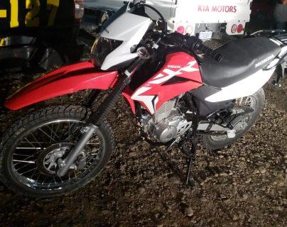 Una de las motocicletas que fue recuperada por agentes de la PNC en Petén. (Foto Prensa Libre: Cortesía)