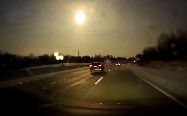 Varios pobladores de Detroit grabaron el fenómeno. (Captura de YouTube)