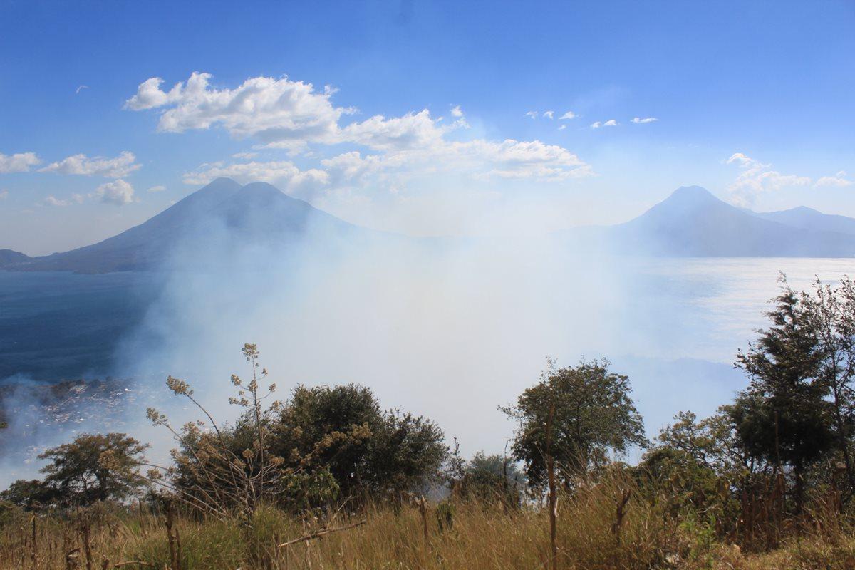 Las autoridades reportan 46 incendios forestales de noviembre a la fecha, en Sololá. (Foto Prensa Libre: Ángel Julajuj)