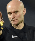 Tony Chapron se ha dado a conocer en el mundo del fútbol y no precisamente por la calidad de su arbitraje. (Foto Prensa Libre: BBC News Mundo)
