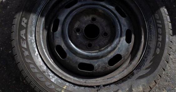 Los neumáticos de calidad son valiosos en el mercado negro de Venezuela, que vive una profunda crisis económica. (BBC Mundo: Reuters)
