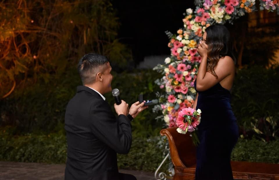 Roberto Cóbar despide el 2018 con un emotivo video de amor dedicado a su prometida Sofía Recinos