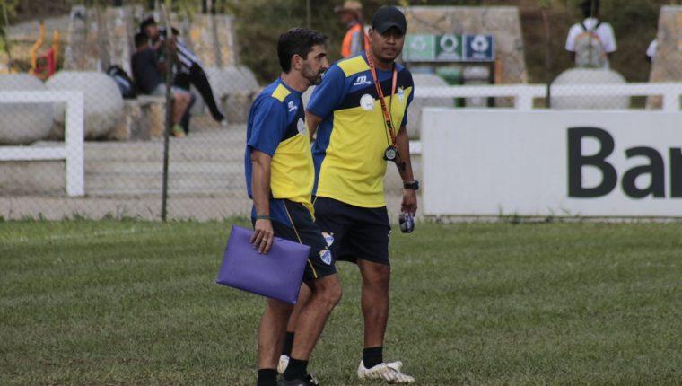 Fabricio Benítez se encuentra convencido de que Cobán Imperial puede conseguir una buena ventaja en el partido de ida de las semifinales contra Antigua GFC. (Foto Prensa Libre: Eduardo Sam)