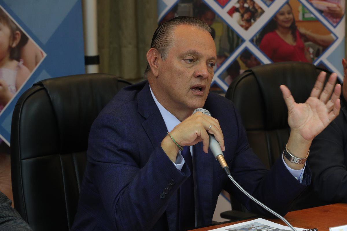El gremio odontológico del país pide que el ministro Carlos Soto se disculpe públicamente por unas declaraciones que consideran ofensivas. (Foto Prensa Libre: Hemeroteca PL)