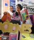 Desde este martes se instalaron buzones especiales en tres agencias de Librería San Bartolomé, en la ciudad de Quetzaltenango. (Foto Prensa Libre: Raúl Juárez)