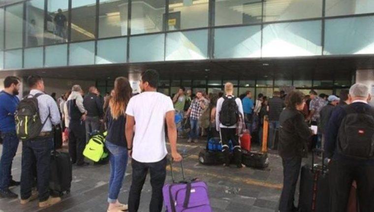 Unos 60 mil pasajeros transitarán por el Aeropuerto Internacional La Aurora durante la Semana Santa 2018. (Foto Prensa Libre: Hemeroteca)