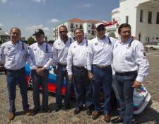 Grandes personalidades del Automovilismo estuvieron presentes en la presentación de la tercera fecha del campeonato. (Foto Prensa Libre: Norvin Mendoza)