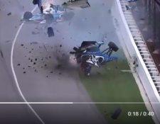 Afortunadamente el aparatoso accidente no cobró ninguna vida. (Foto Prensa Libre)