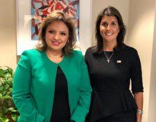 La embajadora de EE. UU. ante la ONU, Nikki Halley (derecha) publicó una foto junto a la canciller Sandra Jovel. (Foto: Twitter/@nikkihaley)