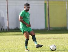 Erwin 'el Abuelo' Morales es uno de los futbolistas en los que más confía el técnico guatemalteco Amarini Villatoro. (Foto Prensa Libre: Edwin Fajardo)