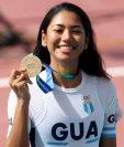 La sonrisa de Dalia Soberanis con su medalla de oro, en Barranquilla 2018. (Foto Prensa Libre: Carlos Vicente)