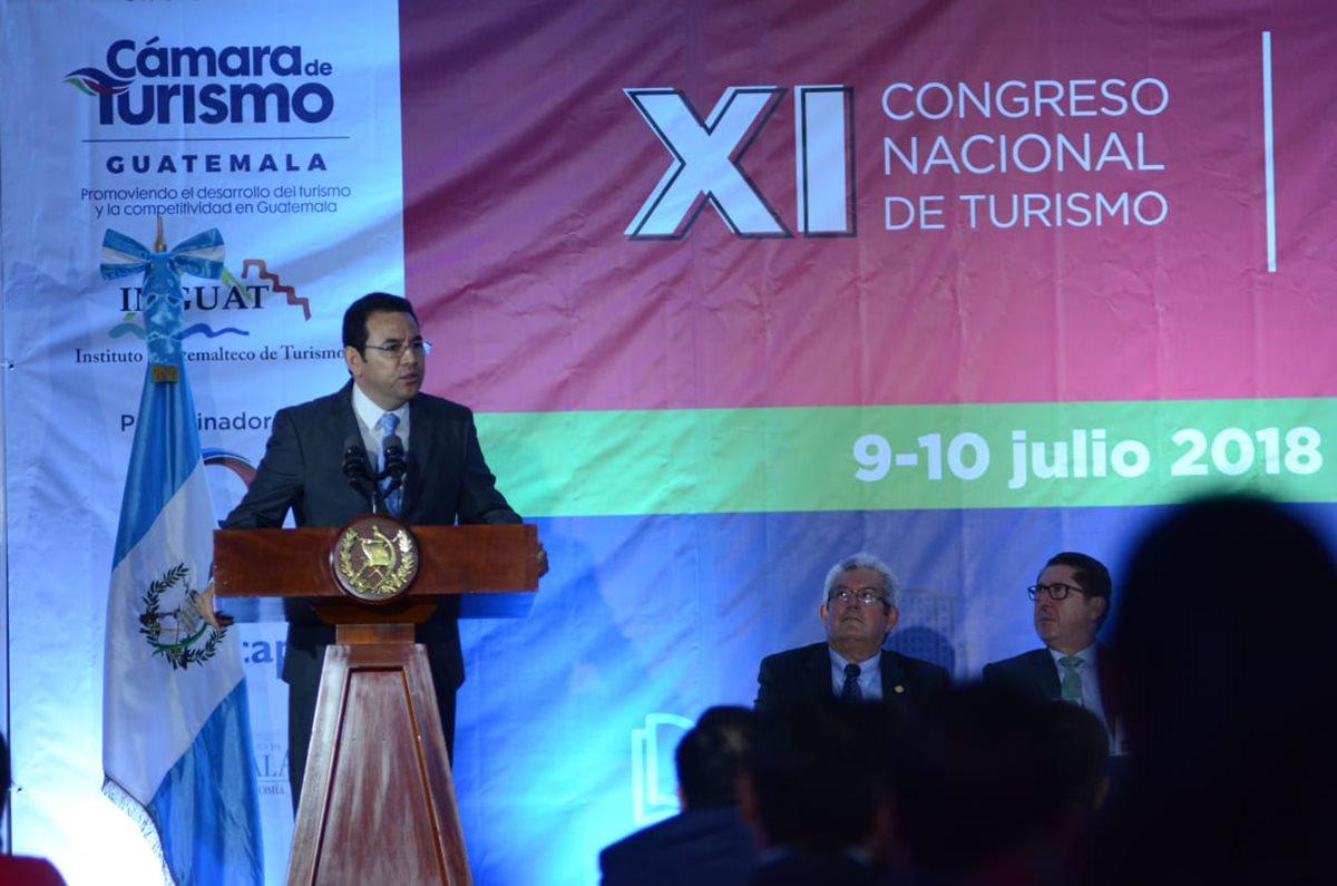 Jimmy Morales, presidente de Guatemala, participa en el Xl Congreso Nacional de Turismo, que se celebró en un Hotel en Carretera a el Salvador. (Foto Prensa Libre: Érick Ávila)