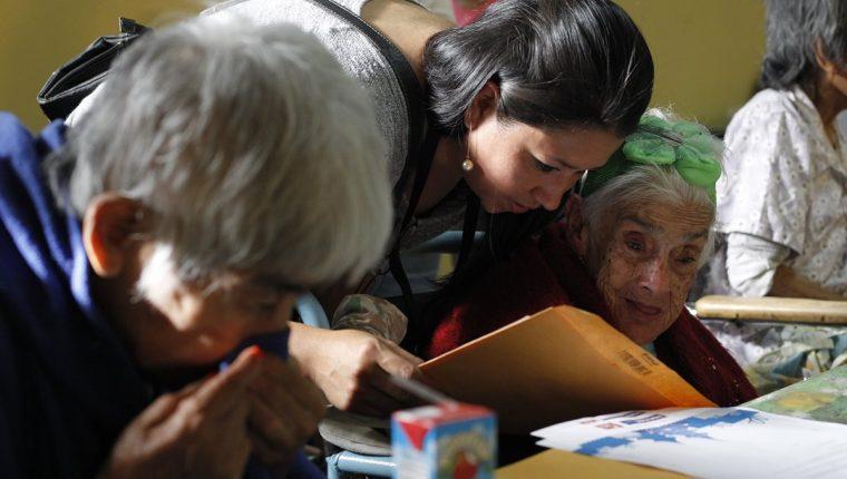 Guatemala requiere disminuir los altos niveles de desnutrición crónica y garantizar un buen nivel educativo. (Foto Prensa Libre: Hemeroteca)