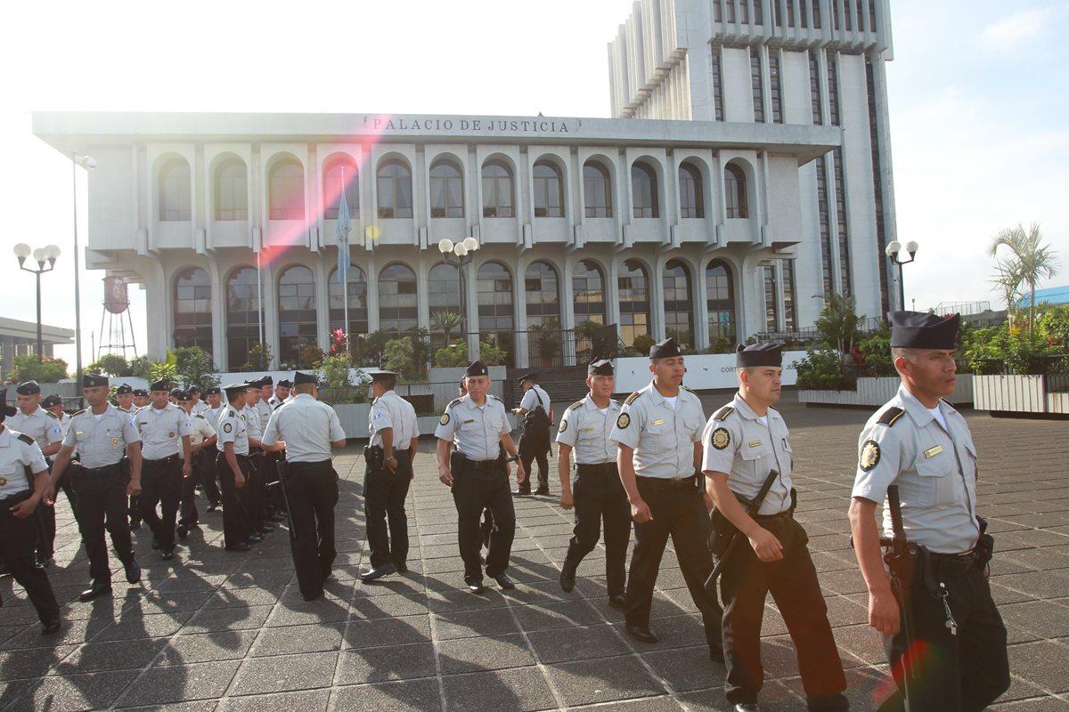 Refuerzan seguridad en OJ por audiencia de Cooptación del Estado