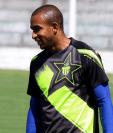 Freddy Thompson se ha convertido en uno de los pilares del técnico Mauricio Tapia. (Foto Prensa Libre: Carlos Vicente)