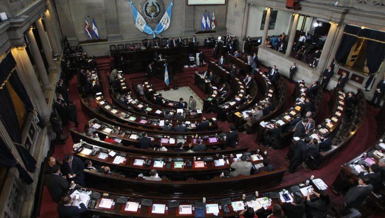 La declaración de los autoridades indígenas desconoce al Legislativo y urge una depuración.