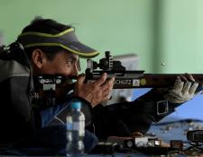El tirador Octavio Sandoval es el más experimentado del grupo de seleccionados de armas cortas. (Foto Prensa Libre: Carlos Vicente)