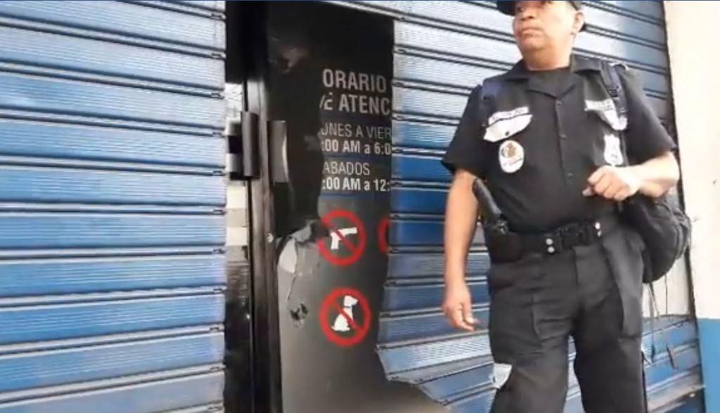 Supuestos vecinos de comunidades rurales de la zona del Pacayá, Coatepeque, lanzaron un artefacto explosivo contra la sede de Energuate en ese municipio. (Foto Prensa Libre: Cortesía)
