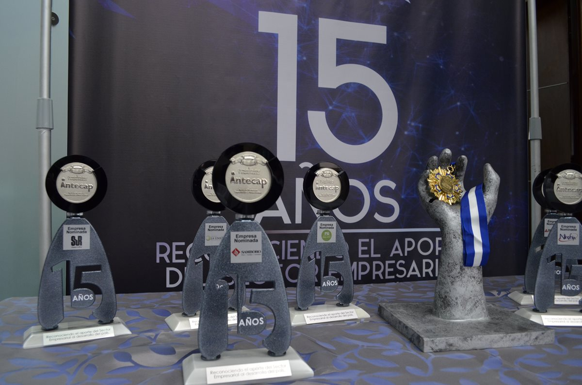 Los 12 nominados al Galardón a la Productividad y Competitividad, son empresas que buscan un mejor futuro para cada puesto de trabajo. Además, se evalúa su dedicación, responsabilidad, innovación y la excelencia en sus servicios. (Foto Prensa Libre: Cortesía Intecap)