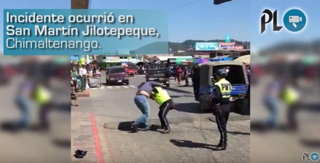 Graban agresión entre ciudadana y agente de la PMT