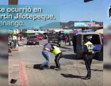 Imagen muestra momento de la agresión entre ambas mujeres. (Foto Prensa Libre)