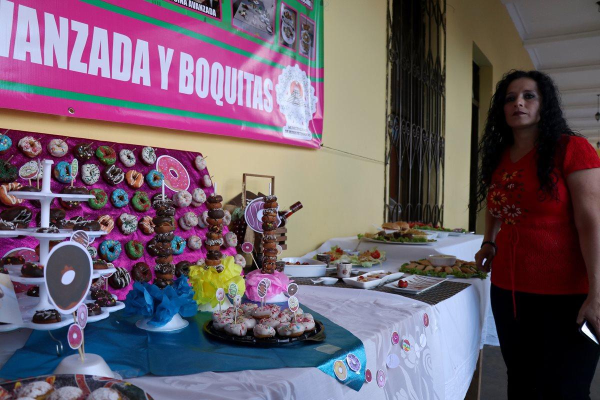 Mujeres de Huehuetenango aprendieron a elaborar platillos y ahora impulsan la economía familiar. (Foto Prensa Libre: Mike Castillo)