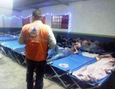 La Conred habilita los albergues para atender a personas que están en vulnerabildiad en la época fría. (Foto Prensa Libre: Conred)