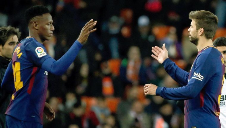 El colombiano Yerri Mina hizo su debut con el Barcelona en el partido de la Copa del Rey. (Foto Prensa Libre: AFP).