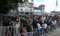Municipalidad de Guatemala lleva acabo la feria del Empleo en el parque de la Constituci—n.                                                                                              Fotograf'a Esbin Garcia 17-01- 2019.