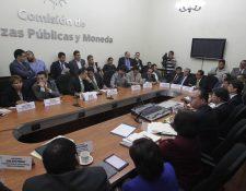 Comisión de Finanzas plantea cambios a la solicitu del Ejecutivo sobre el gasto de este año. (Foto Prensa Libre: Edwin Bercián)