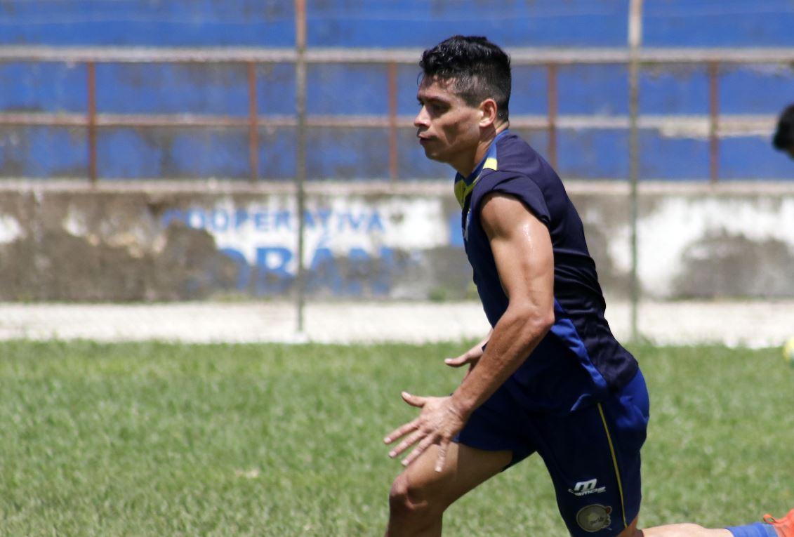 Robin Betancourth durante el entrenamiento de Cobán Imperial en la previa al partido contra Siquinalá. (Foto Prensa Libre: Eduardo Sam).