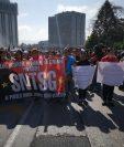 Salubristas salieron a las calle sel pasado 14 de agosto a exigir el cumplimiento de un acuerdo firmado con el Ministro de Salud, Carlos Soto, en diciembre pasado. (Foto Prensa Libre:  Hemeroteca PL)