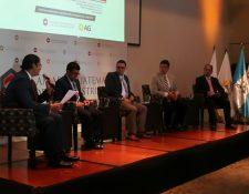 Funcionarios, analistas y empresarios, participaron en el foro Proyecciones Políticas y Económicas 2019. (Foto Prensa Libre: Urías Gamarro)