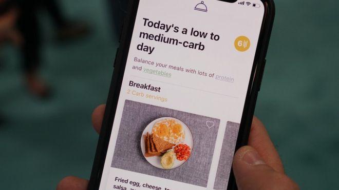 La aplicación de Lumen da consejos sobre lo que el usuario debe comer en un determinado día para quemar grasa.