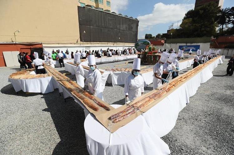 La elaboración de la Rosca de Reyes inició el 2 de enero.