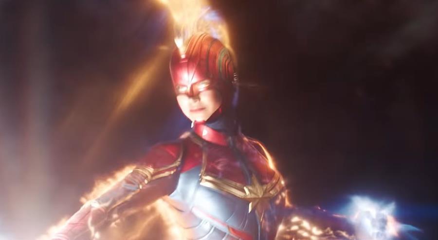 Carol Danvers es una superheroína de grandes poderes debido a que es un híbrido entre humano y kree, una raza extraterrestre con una mentalidad militar científicamente avanzada. (Foto Prensa Libre: YouTube)