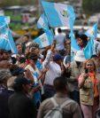Manifestantes de la organización Guatemala Inmortal permanecían el miércoles en las afueras de la Corte Suprema de Justicia (CSJ). (Foto Prensa Libre: Carlos Hernández)