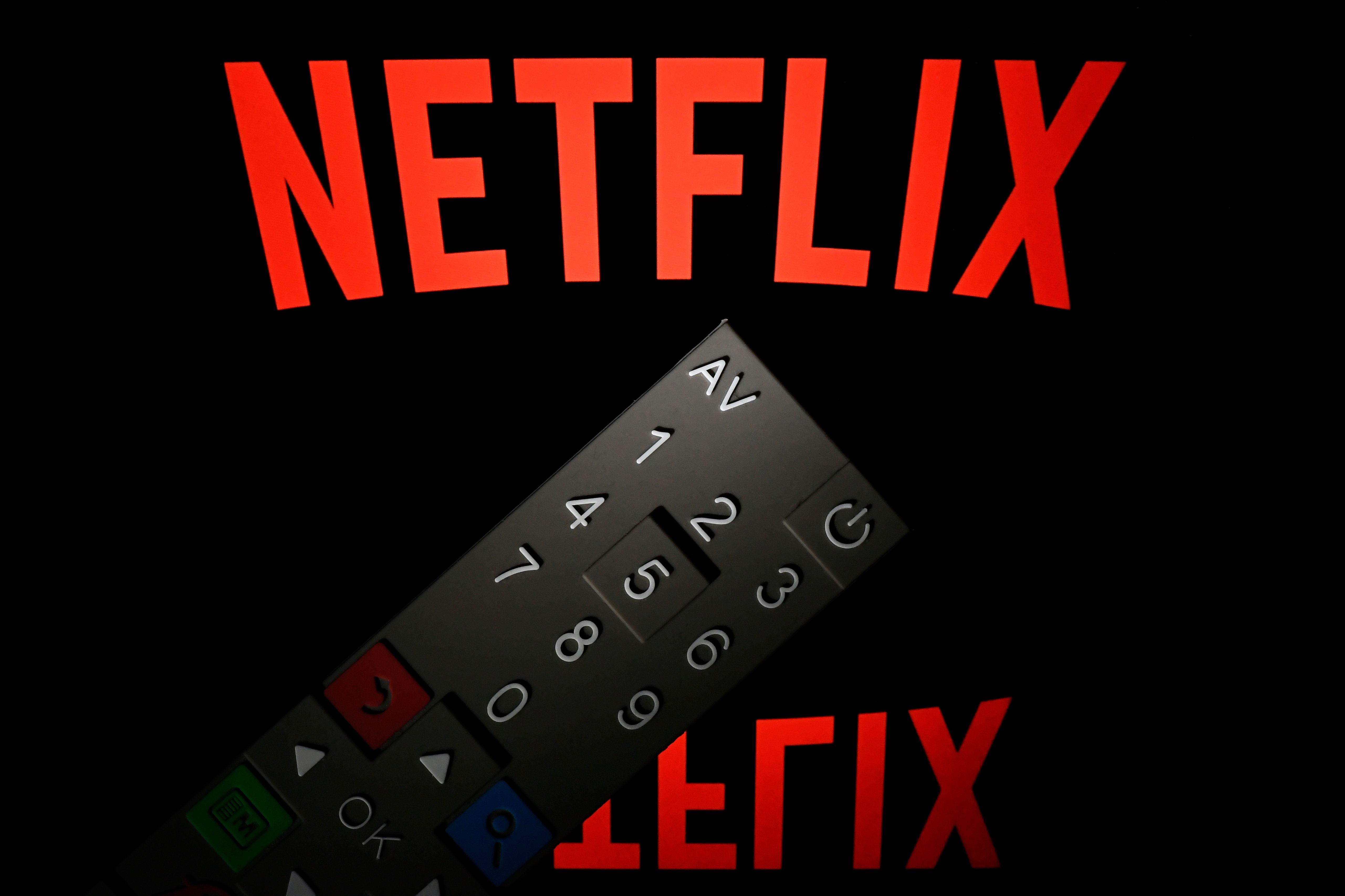 La subida de precios de Netflix coincide con la estrategia de la compañía de emplear el dinero extra para desarrollar su estrategia de contenidos. (Foto Prensa Libre: AFP)