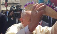 Los jóvenes llegaron hasta las cercanías de la Iglesia San Francisco de Asís, donde el Papa había ofrecido un mensaje a los obispos de Centroamérica. (Foto: Cristian Aguirre)