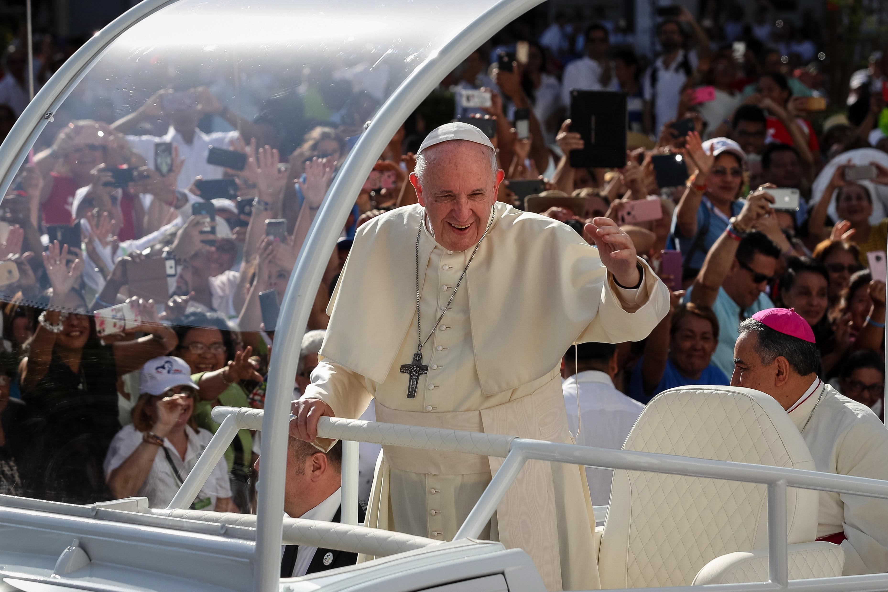El papa Francisco deja huella positiva durante la Jornada Mundial de la Juventud en Panamá. (Foto Prensa Libre: EFE)