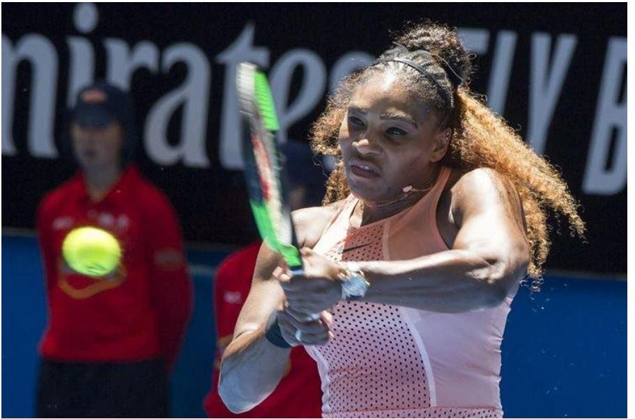Serena Williams muestra con orgullo su maternidad y combina este rol con su profesión como tenista. (Foto Prensa Libre: AFP)