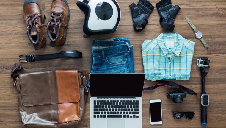 Uno de los giros más recurrentes en el mundo de las tiendas por internet es la venta de ropa y accesorios para toda la familia. (Foto Prensa Libre: Shutterstock)