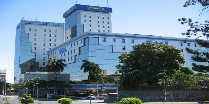América Móvil, propiedad del multimillonario Carlos Slim, compró a su rival Telefónica sus negocios en Guatemala y El Salvador. (Foto Prensa Libre:  La Portada)