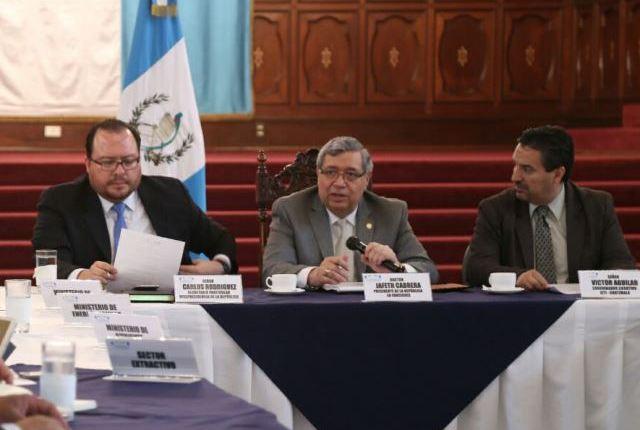 El vicepresidente Jafeth Cabrera preside el Gabinete Económico. (Foto Prensa Libre: Vicepresidencia)