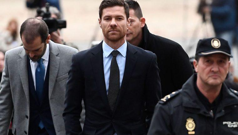 Xabi Alonso está confiando en que es inocente en el caso de fraude fiscal. (Foto Prensa Libre: AFP).