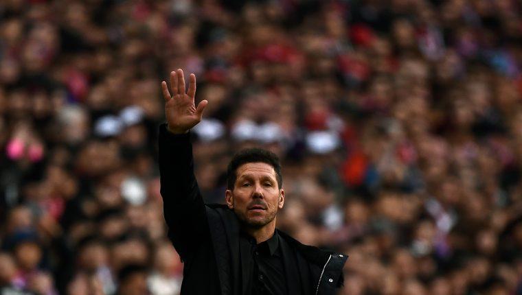 Con la ampliación de su contrato el argentino Diego Simeone estará al mando del Atlético de Madrid hasta el 2022. (Foto Prensa Libre: AFP)