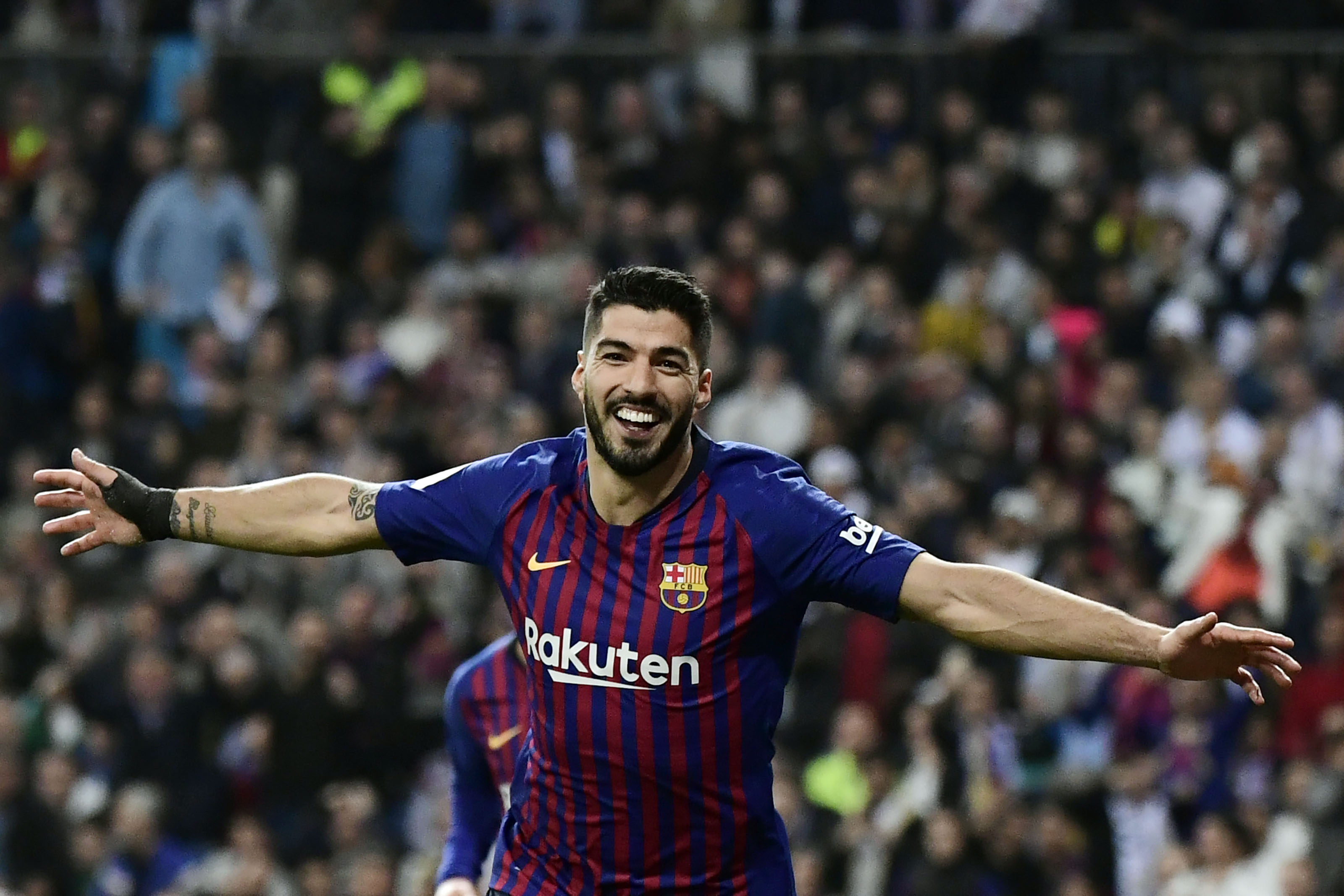 Luis Suárez fue la figura del partido con un doblete. (Foto Prensa Libre: AFP)