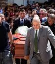 Familiares, amigos y vecinos de Progreso acudieron a rendir homenaje a Emiliano Sala, que falleció tras estrellarse la avioneta en la que viajaba el pasado 21 de enero. REUTERS